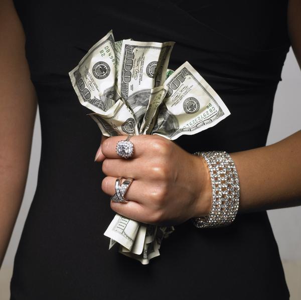 Муж утаивает от меня деньги